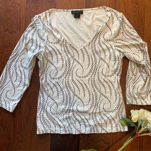 4/$10 The Limited Ivory/bk swirl top MUST bundle
